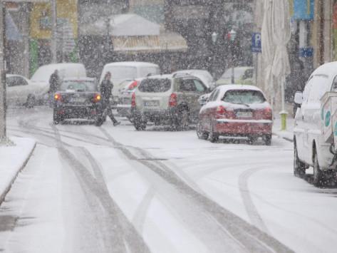 Καιρός: Νέο κύμα κακοκαιρίας με χιόνια και `τσουχτερό` κρύο την Τετάρτη!