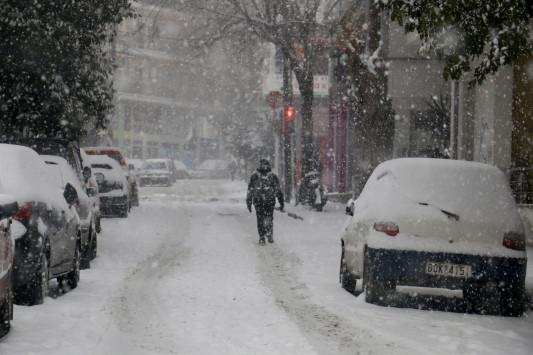 Καιρός: Χιόνια και... τεράστια προβλήματα σε πολλές περιοχές της χώρας