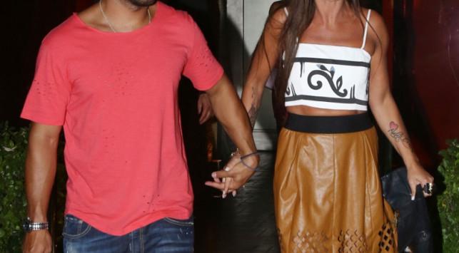 Πασίγνωστο ζευγάρι της ελληνικής showbiz χώρισε πριν ανέβει τα σκαλιά της εκκλησίας!