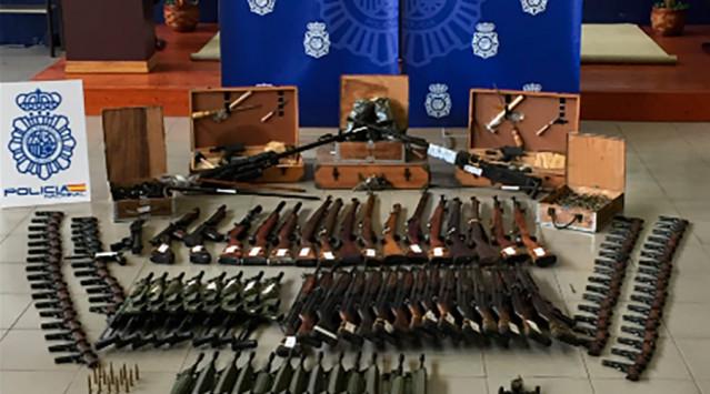 Κατέσχεσαν όπλοστάσιο αξίας 10 εκ. ευρώ!  [pics, vid]
