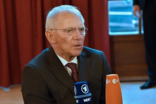 Σόιμπλε: Δεν θα συνιστούσα στην Αθήνα να φύγει το ΔΝΤ - Εκβιάζει με νέο Μνημόνιο
