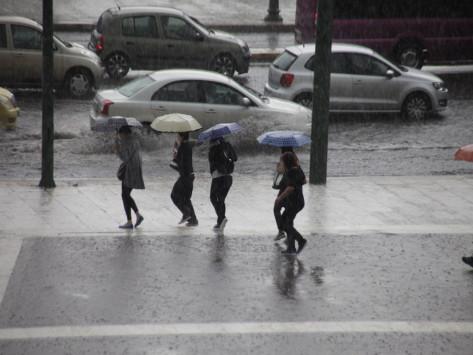 Καιρός: Βροχές και χιόνια την Τρίτη - Αναλυτική πρόγνωση