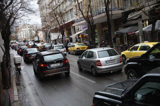 Τέλη κυκλοφορίας: Έρχεται ο εξειδικευμένος υπολογισμός για κάθε όχημα – Καθιερώνονται αντικειμενικά κριτήρια