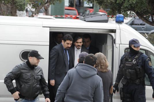 `Πόλεμος` Ελλάδας - Τουρκίας για τους οκτώ στρατιωτικούς! Εντάλματα σύλληψης και `επιθέσεις`