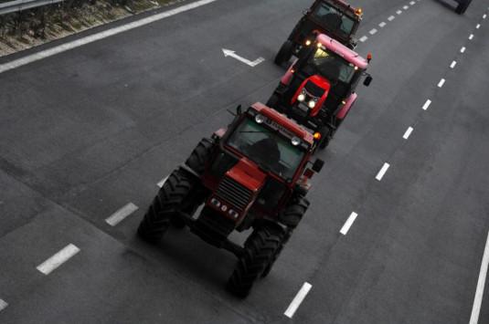 Μπλόκα αγροτών: Ποιο δρόμοι ανοίγουν και ποιοι κλείνουν