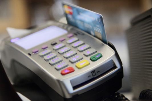 Πλαστικό χρήμα: Προσοχή στην `αλμυρή` παγίδα τεκμηρίων!