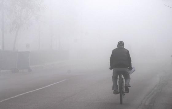 Καιρός: Τοπικές βροχές και ομίχλη την Κυριακή