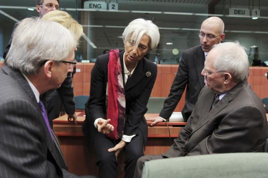 """Το ΔΝΤ αποφασίζει την τύχη της Ελλάδας την Δευτέρα - """"Όχι"""" κυβέρνησης σε νέα μέτρα"""