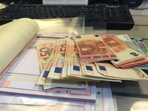 Πετρόπουλος για μπλοκάκια: Προσωρινά εισφορά 10% για όλους