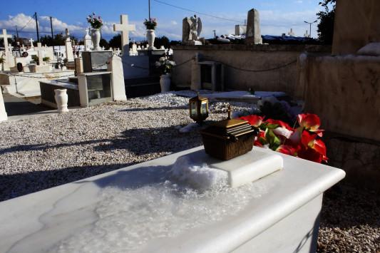 Τρίκαλα: Δεν χωρούν άλλοι νεκροί στο νεκροταφείο - Έκκληση από τον αρμόδιο αντιδήμαρχο!