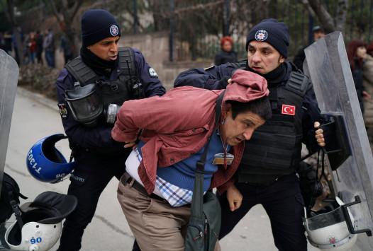 Επεισόδιο με Γκιουλενιστές στα σύνορα  – Προσπάθησαν να μπουν στην Ελλάδα -  Χειροπέδες από Τούρκους αστυνομικούς