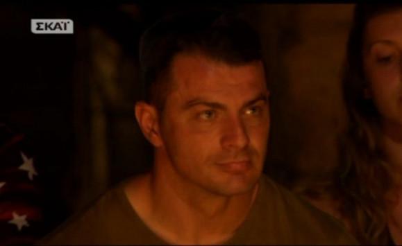 """Τον έδιωξαν από την ομάδα του Survivor το πρώτο βράδυ! Τους """"κάρφωσε"""" …στεγνά!"""