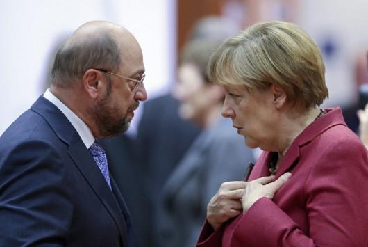 Δημοσκόπηση κόλαφος! `Γλεντάει` ο Σούλτς τη Μέρκελ