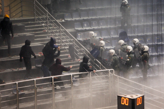 Κεκλεισμένων των θυρών σε Παναθηναϊκό και Άρη για τον τελικό κυπέλλου