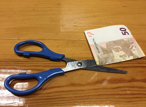 Αποτέλεσμα εικόνας για χρήματα περικοπή