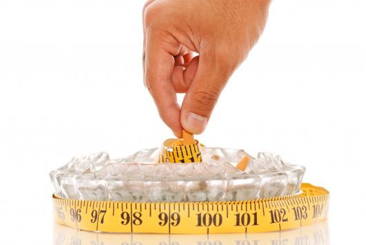Κάπνισμα: 5 κόλπα για να ΜΗΝ πάρετε κιλά αν κόψετε το τσιγάρο