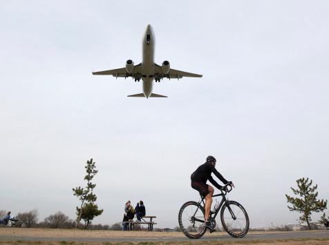 Απείλησε ότι θα ανατινάξει το αεροπλάνο επειδή καθυστέρησε η πτήση!