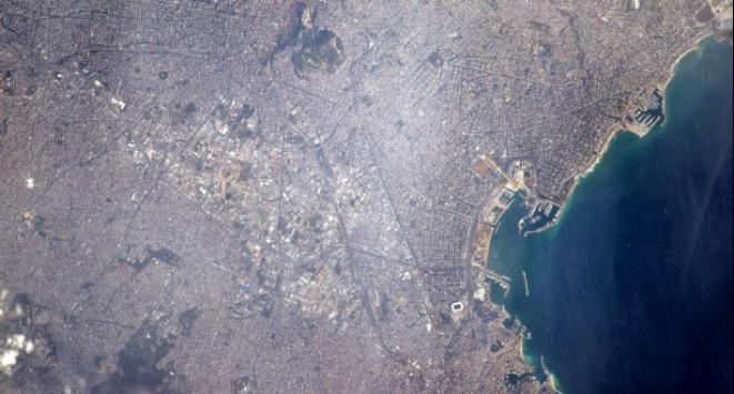 Εντυπωσιακές εικόνες: Έτσι φαίνεται η Αθήνα από το διάστημα