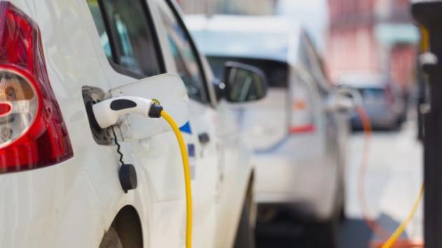 Ηλεκτρικά όλα τα καινούργια αυτοκίνητα στη Νορβηγία μέχρι το 2025