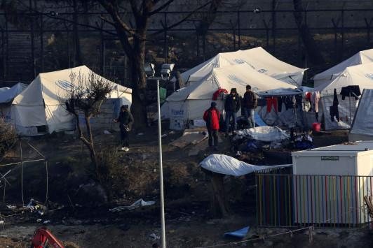 Guardian: `Πού πήγαν τα λεφτά;` Άρθρο `καταπέλτης` για το προσφυγικό!