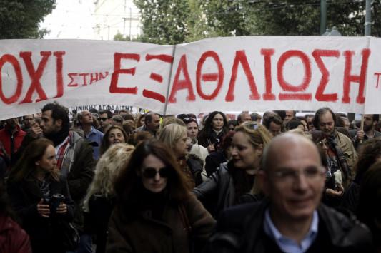"""Βάζει """"χέρι"""" και στα 500 ευρώ το μήνα η κυβέρνηση – Στις 5.900 το αφορολόγητο με φόρο 22%"""