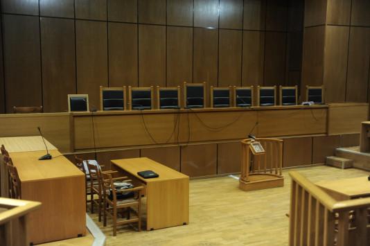 """Εισαγγελέας: Να παραπεμφθούν σε δίκη οι 17 για τα """"ιπτάμενα ραντάρ"""""""