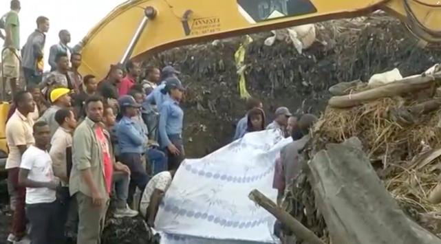 Ασύλληπτη τραγωδία στην Αιθιοπία – Τουλάχιστον 65 νεκροί από κατολίσθηση σε χωματερή [pics, vids]