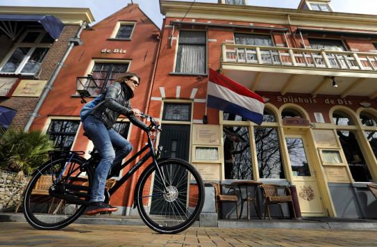 Εκλογές Ολλανδία: Ανοίγουν οι κάλπες που `τρέμουν` οι Ευρωπαίοι -  Βίλντερς, Ρούτε ή εκπληξη!