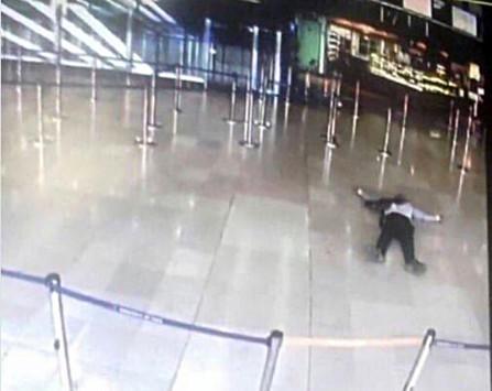 Eλεύθεροι οι συγγενείς του δράστη της επίθεσης στο αεροδρόμιο του Ορλί