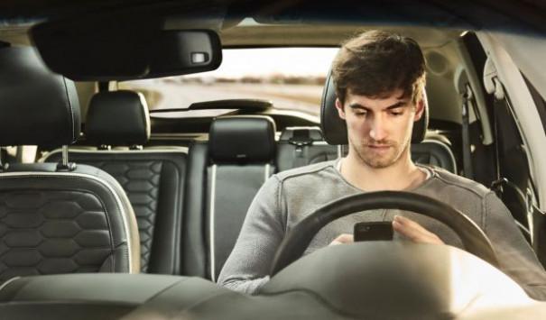 Ανεύθυνοι και επικίνδυνοι οι νεαροί οδηγοί στην Ευρώπη [vid]