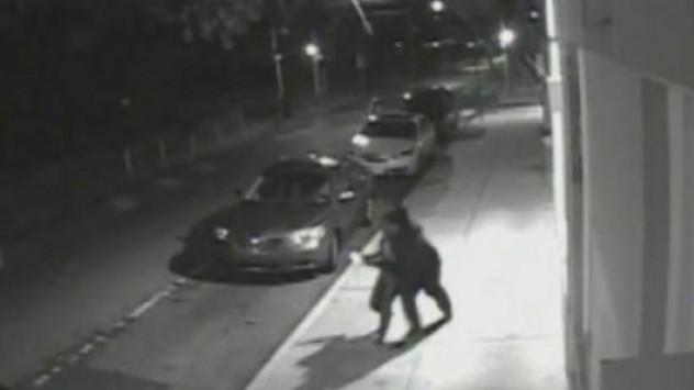 Απήγαγε την πρώην κοπέλα του από το χώρο εργασίας της! Πήδηξε από το αυτοκίνητο για να σωθεί!