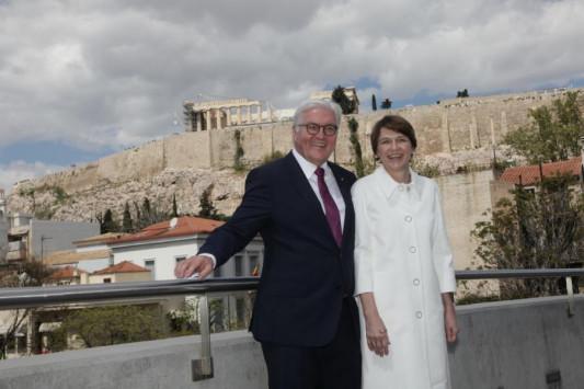 Γοητευμένος ο Στάινμαιερ από την Αθήνα και την Ακρόπολη: `Δεν υπάρχει ΕΕ χωρίς την Ελλάδα` [pics]