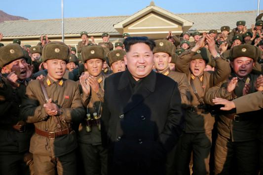 Βρετανός πρώην κατάσκοπος: Την προσοχή σας στη Βόρεια Κορέα και όχι στη Συρία!
