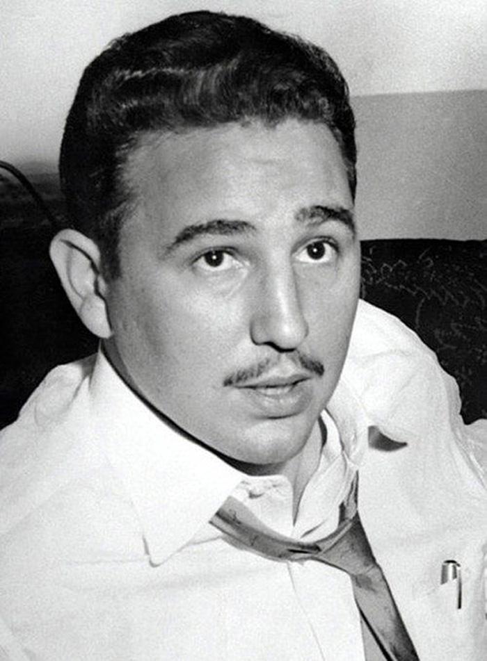 Ο Φιντέλ Κάστρο κατά την διάρκεια συνέντευξης το 1955