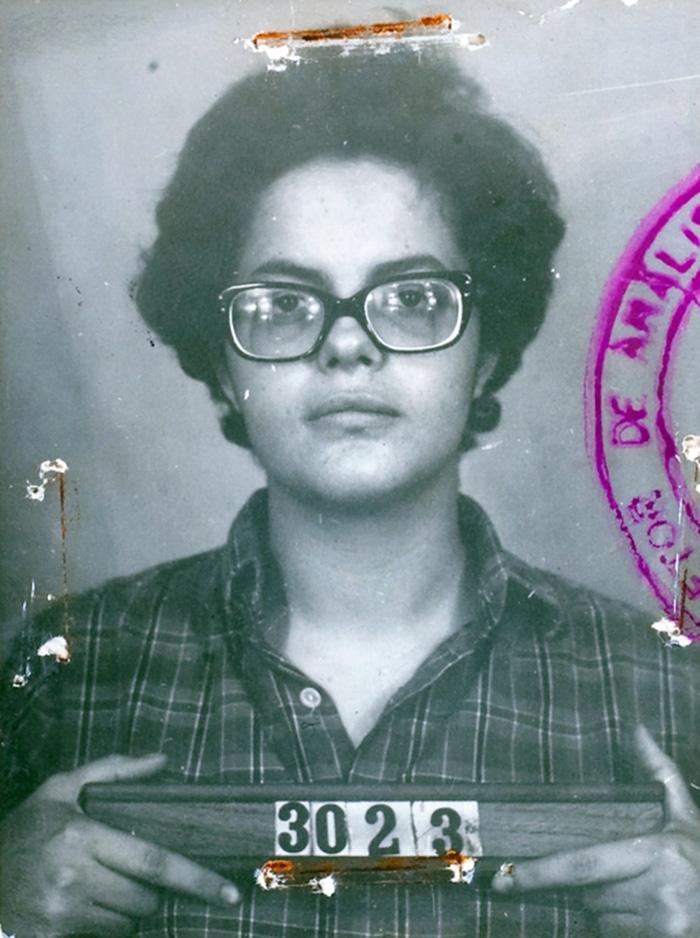 Η πρώην πρόεδρος της Βραζιλίας, Ντίλμα Ρούσεφ, σε φωτογραφία μετά τη σύλληψή της το 1970! Συμμετείχε σε διαδηλώσεις εναντίον της δικτατορίας