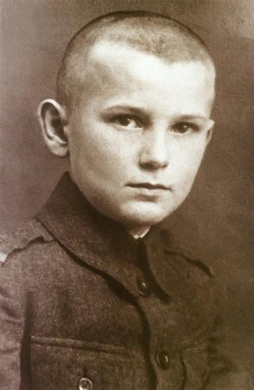 Ο Karol Wojtyła - Πιο... πιθανό είναι να τον γνωρίζετε ως τον Πάπα Ιωάννη Παύλο ΙΙ!