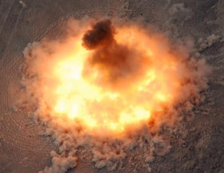 Κόλαση από την `Μητέρα όλων των βομβών`! 36 νεκροί τζιχαντιστές και τεράστιες καταστροφές