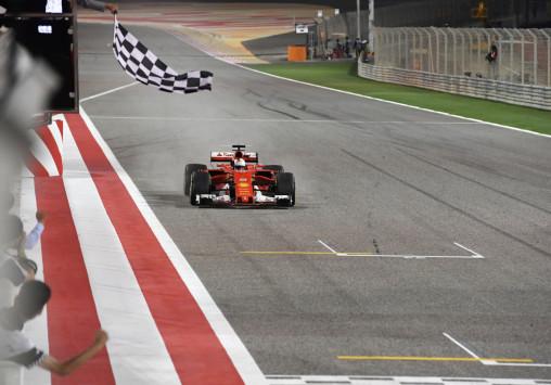 Formula 1: Ξέφυγε ο Φέτελ! Είδε πρώτος την καρό σημαία