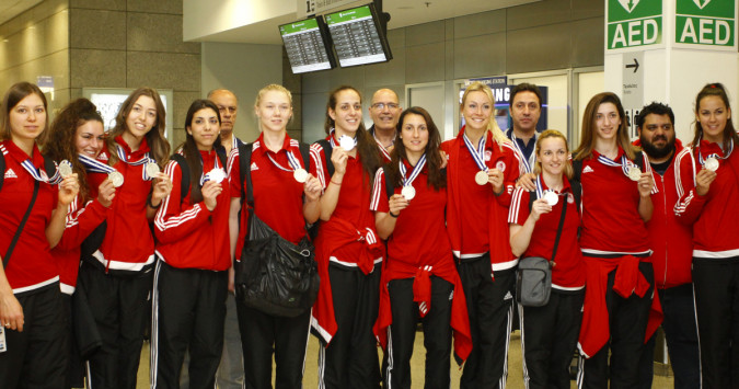 Ολυμπιακός: Επέστρεψαν τα ασημένια κορίτσια [pics]