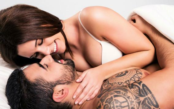 Πόσες φορές την εβδομάδα κάνουν σεξ τα ευτυχισμένα ζευγάρια [vid]