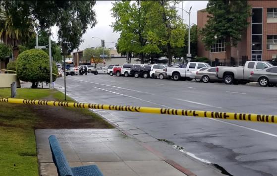 Τρόμος στην Καλιφόρνια! Φώναζε `Αλλού Ακμπάρ` και εκτέλεσε τρεις ανθρώπους [pics, vids]