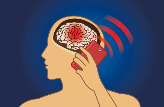 Τα κινητά τηλέφωνα συνδέονται με τον καρκίνο: Δικαστική απόφαση-σταθμός [vid]