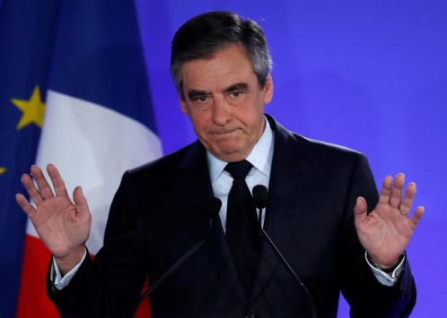 Αποσύρεται από την πολιτική ο Φρανσουά Φιγιόν