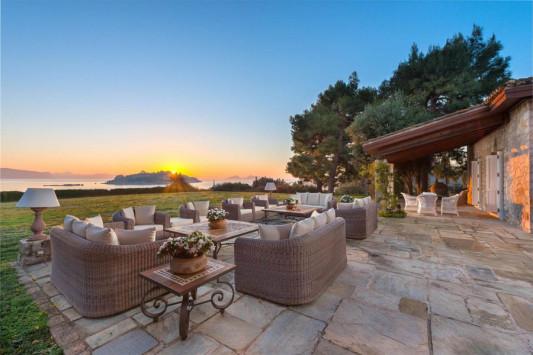 Αυτό είναι το πιο ακριβό σπίτι στην Ελλάδα: Ένας παράδεισος επί γης! [pics, vid]