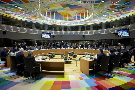 Το `μπλοκ` Ελλάδας - Γαλλίας - Πορτογαλίας! Ποιον ηγέτη κάλεσε για διακοπές στην Ελλάδα ο Τσίπρας