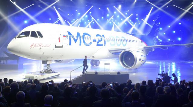 """Αυτό είναι το ρωσικό επιβατηγό αεροπλάνο που θα """"σβήσει"""" Boeing και Airbus [vid]"""