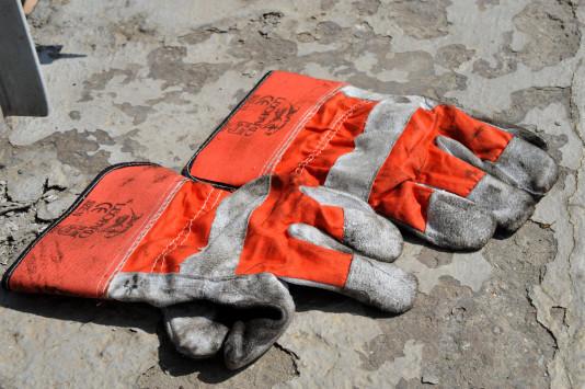Νεκρός εργάτης στην Παναγοπούλα – Καταπλακώθηκε από σίδερα