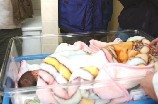 Σοκ στη Ρόδο – Εγκατέλειψαν νεογέννητο σε τηλεφωνικό θάλαμο!