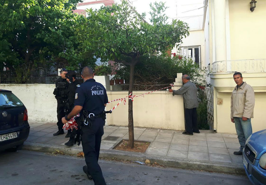 Αποτέλεσμα εικόνας για νεκρος αστυνομικός στο σπιτι του