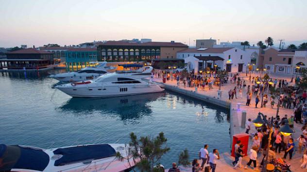 Απίστευτη απάτη σε βάρος Έλληνα επιχειρηματία - Το 'παιζαν επιχειρηματίες και του «έφαγαν» 2,5 εκατ. με `πέτσινες` μετοχές